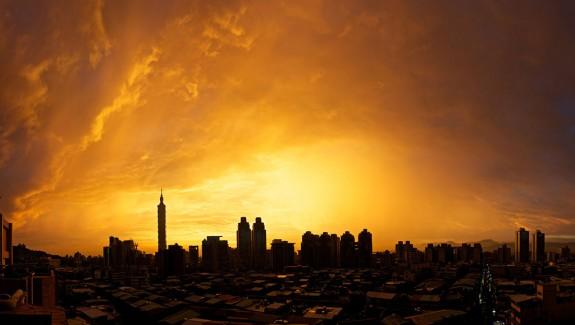 Harry Hilders - Taipei Sunset